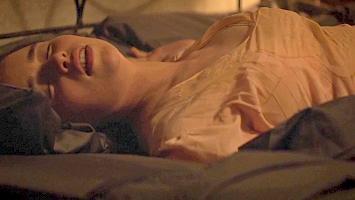 [Image: Emilia-Clarke0011.jpg]