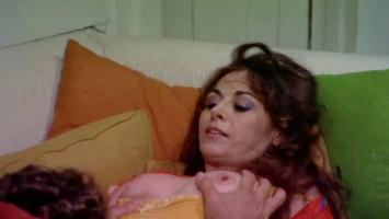 [Image: Leonora_Fani_-_Giallo_a_Venezia.1979.0016.jpg]